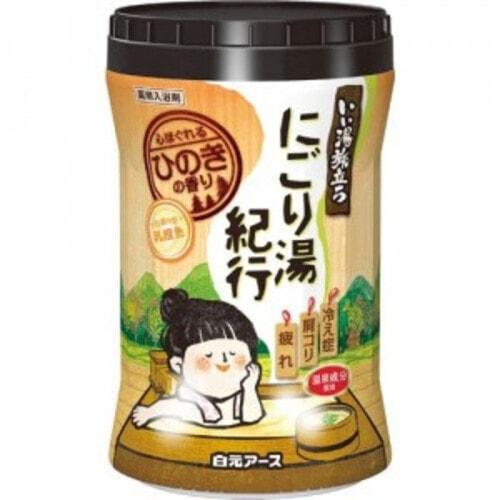 Hakugen EARTH  Увлажняющая соль для ванны с восстанавливающим эффектом (с ароматом кипариса), 600 г